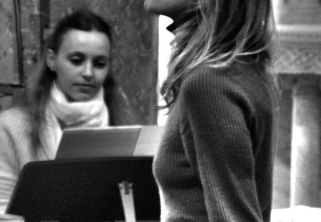 Ana Louve et Ekaterina Alferova pendant la répétition du Choeur Azurus pour son concert de Noël 2018