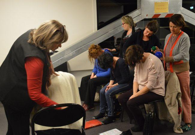 Le Choeur Azurus pendant Atelier de Méthode MPVB - Mouvement Posture Voix Bien-être - avec Marie-Pierre Vals-Busso